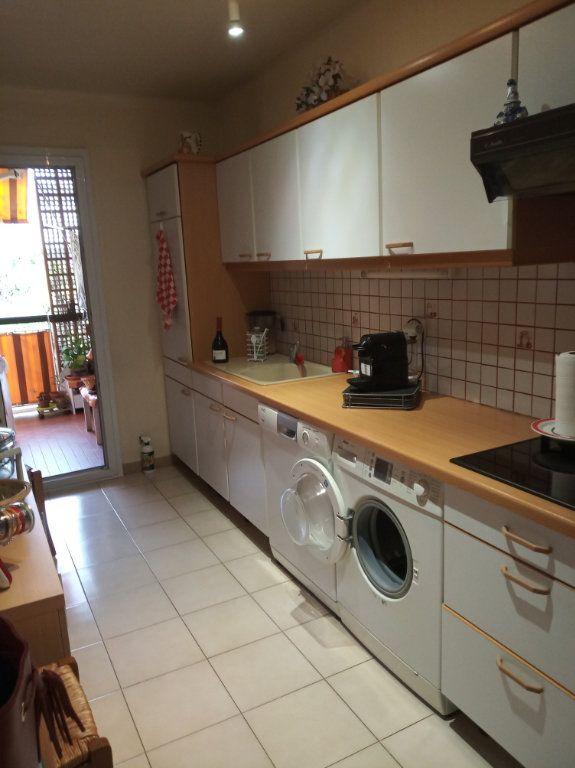 Appartement à vendre 4 71.37m2 à Saint-Raphaël vignette-1