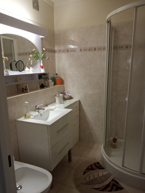 Appartement à vendre 4 71.37m2 à Saint-Raphaël vignette-8
