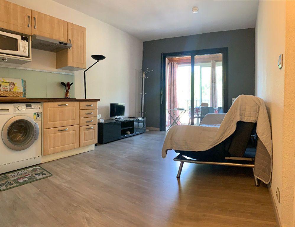 Appartement à vendre 2 29m2 à Fréjus vignette-1