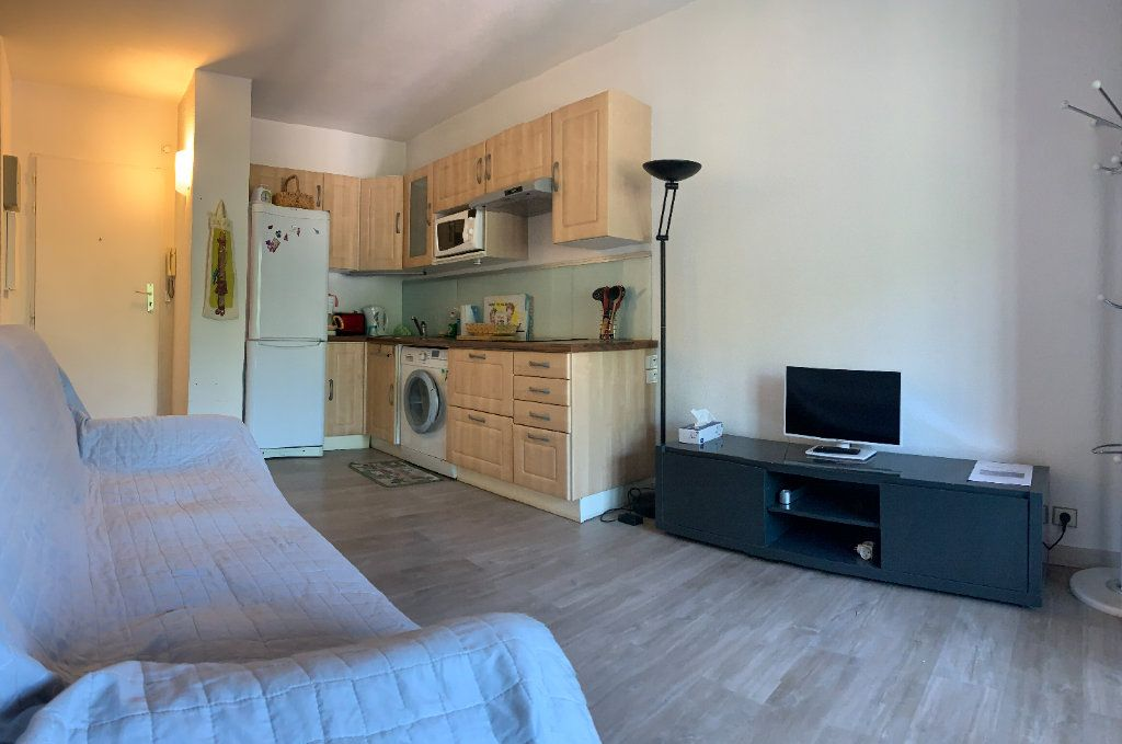 Appartement à vendre 2 29m2 à Fréjus vignette-3