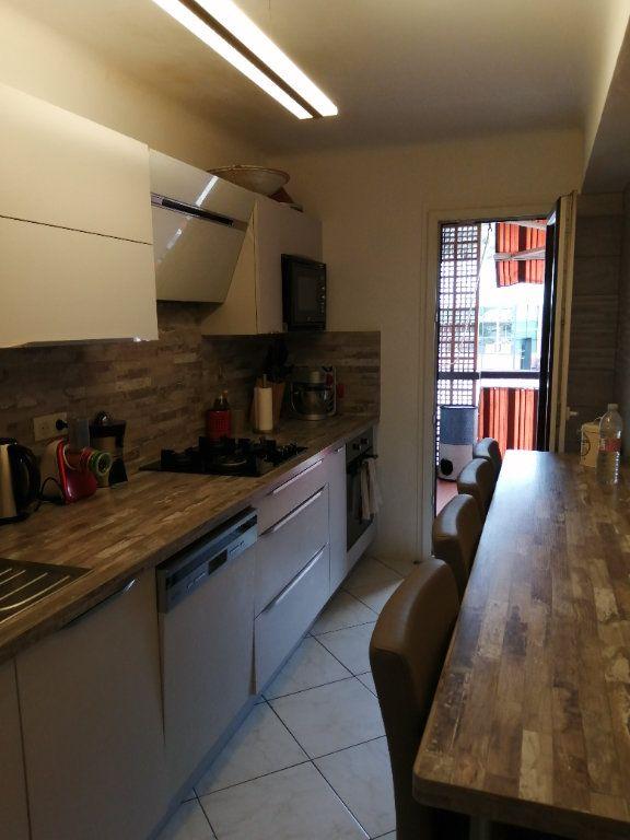 Appartement à vendre 5 83.03m2 à Saint-Raphaël vignette-7