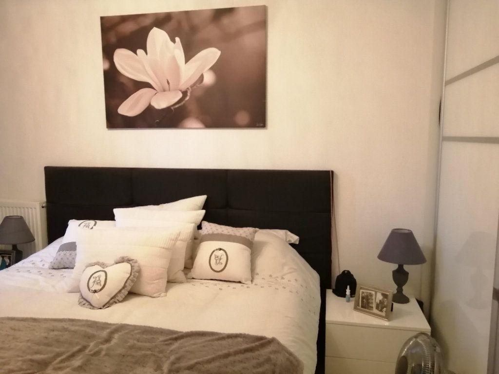 Appartement à vendre 5 83.03m2 à Saint-Raphaël vignette-8