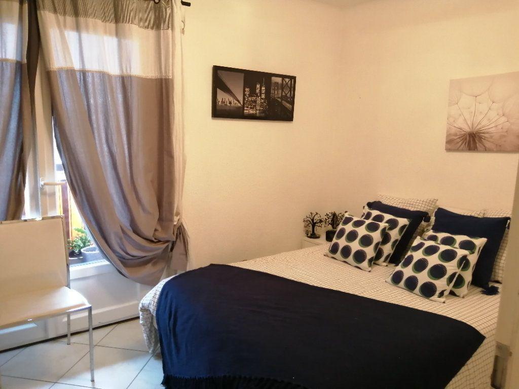 Appartement à vendre 5 83.03m2 à Saint-Raphaël vignette-11
