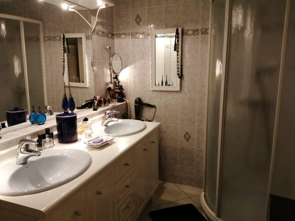 Appartement à vendre 5 83.03m2 à Saint-Raphaël vignette-13