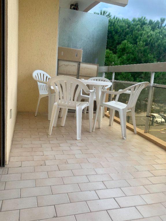 Appartement à vendre 2 21m2 à Fréjus vignette-1