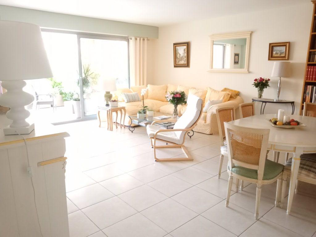 Appartement à vendre 4 105.5m2 à Saint-Raphaël vignette-5