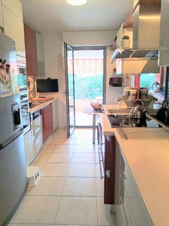 Appartement à vendre 4 105.5m2 à Saint-Raphaël vignette-7