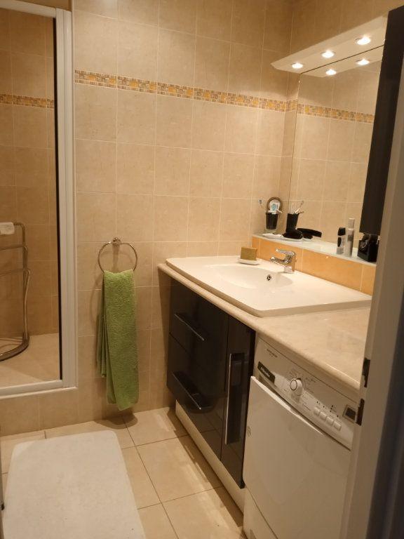 Appartement à vendre 4 105.5m2 à Saint-Raphaël vignette-11