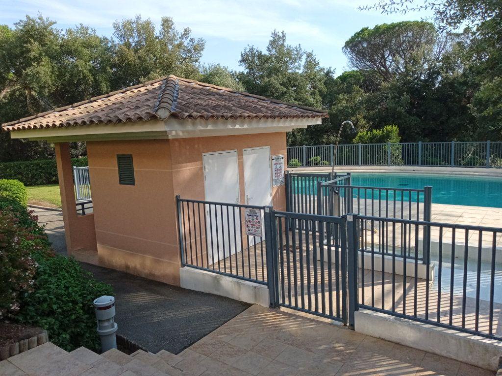 Appartement à vendre 4 105.5m2 à Saint-Raphaël vignette-12