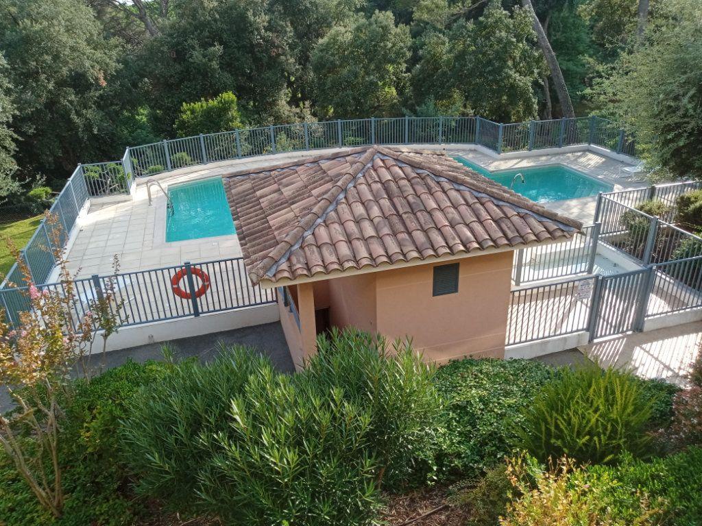 Appartement à vendre 4 105.5m2 à Saint-Raphaël vignette-15
