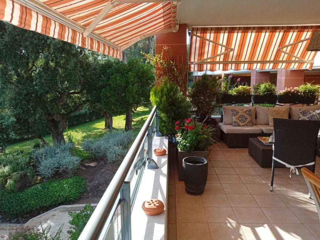 Appartement à vendre 4 105.5m2 à Saint-Raphaël vignette-16