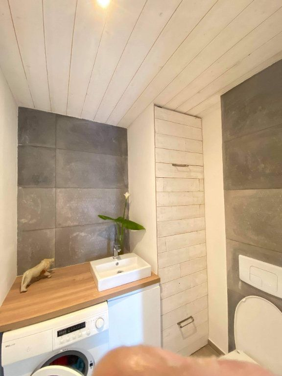 Appartement à vendre 1 50m2 à Saint-Raphaël vignette-3