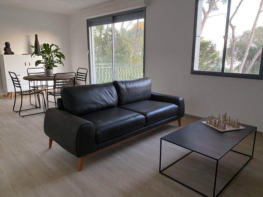 Appartement à vendre 3 85m2 à Saint-Raphaël vignette-4