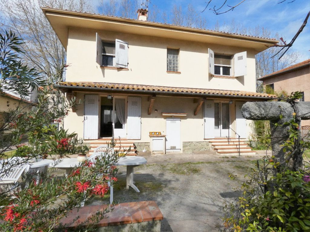 Maison à vendre 7 148m2 à Fréjus vignette-1