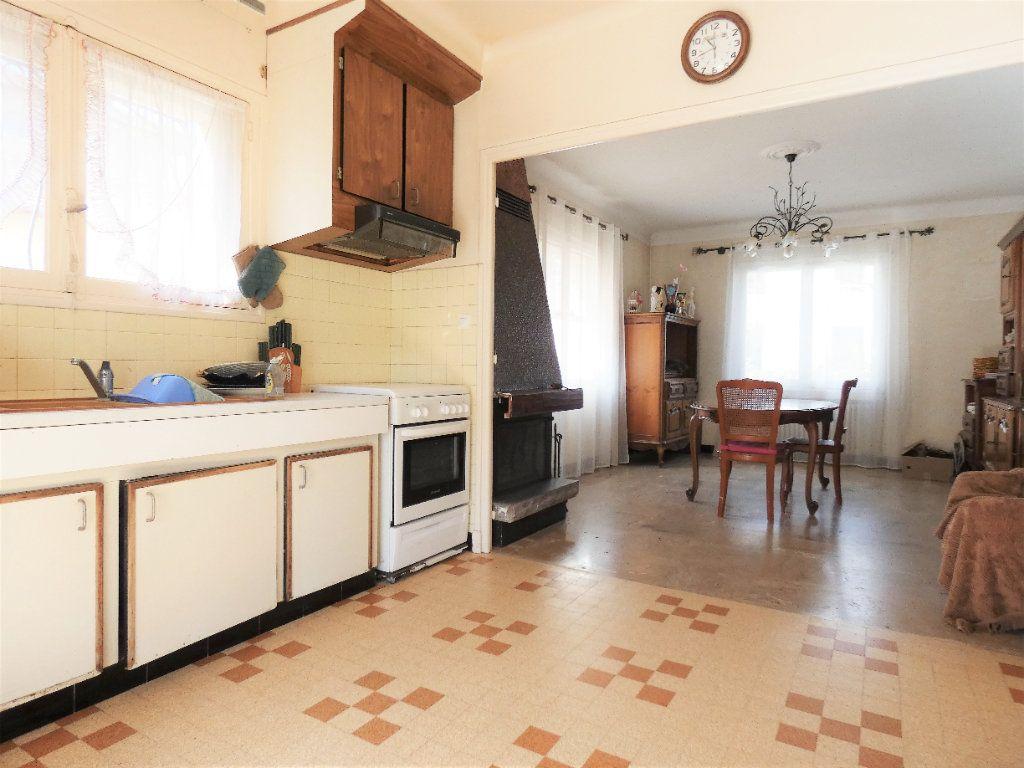 Maison à vendre 7 148m2 à Fréjus vignette-2