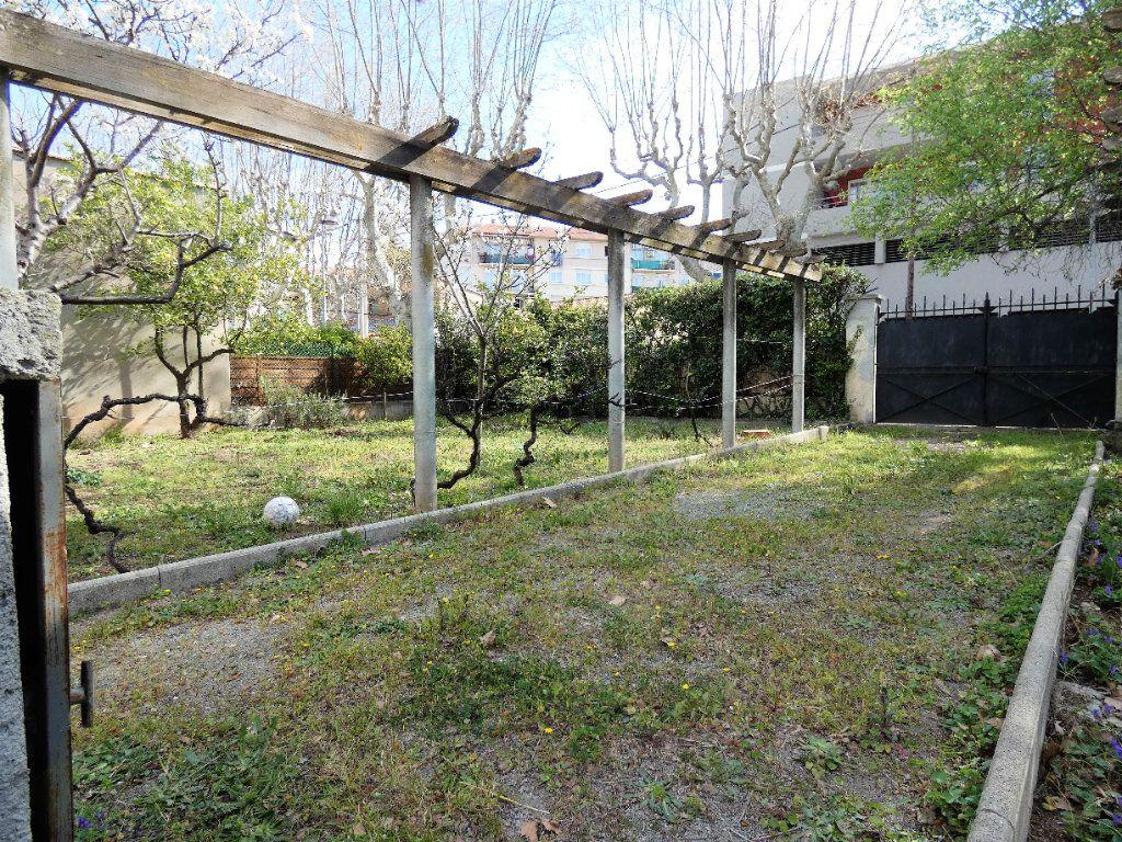 Maison à vendre 7 148m2 à Fréjus vignette-4