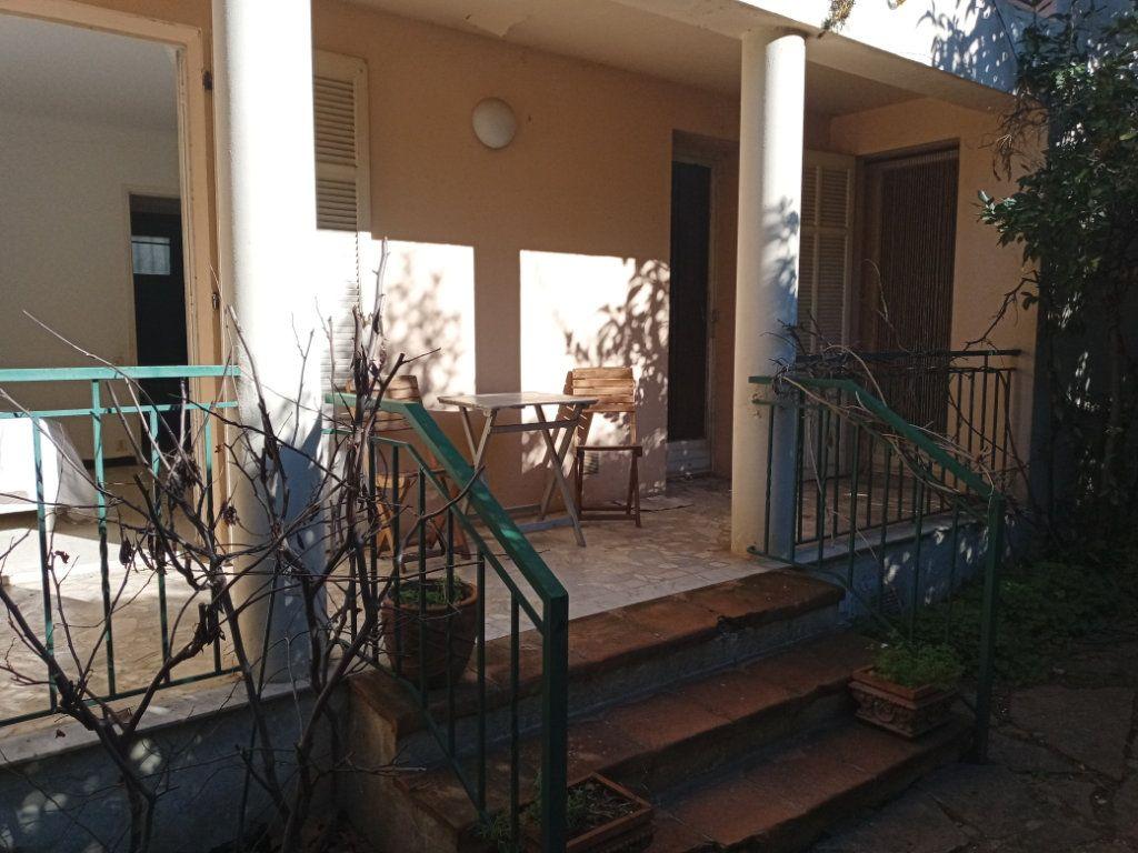 Appartement à vendre 3 68m2 à Saint-Raphaël vignette-1