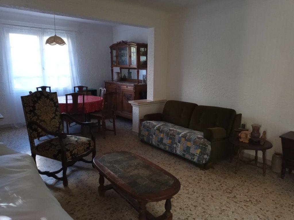 Appartement à vendre 3 68m2 à Saint-Raphaël vignette-4