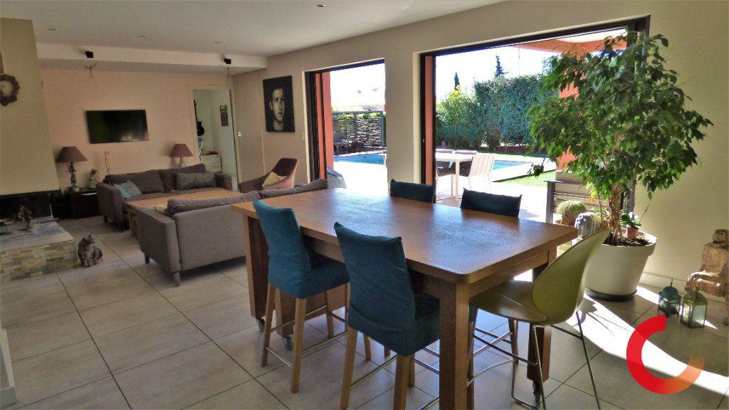 Maison à vendre 8 170m2 à Fréjus vignette-2