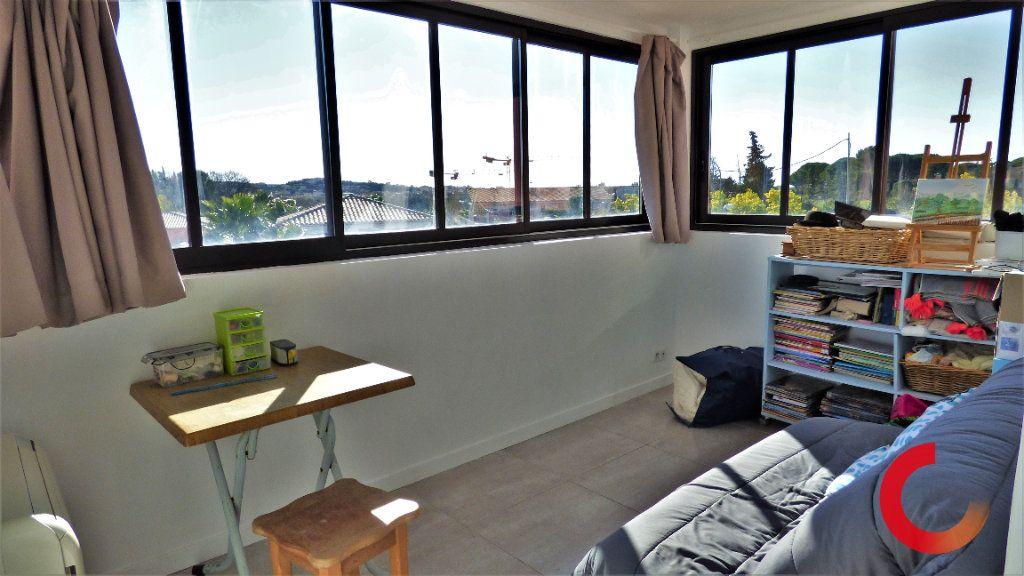 Maison à vendre 8 170m2 à Fréjus vignette-8