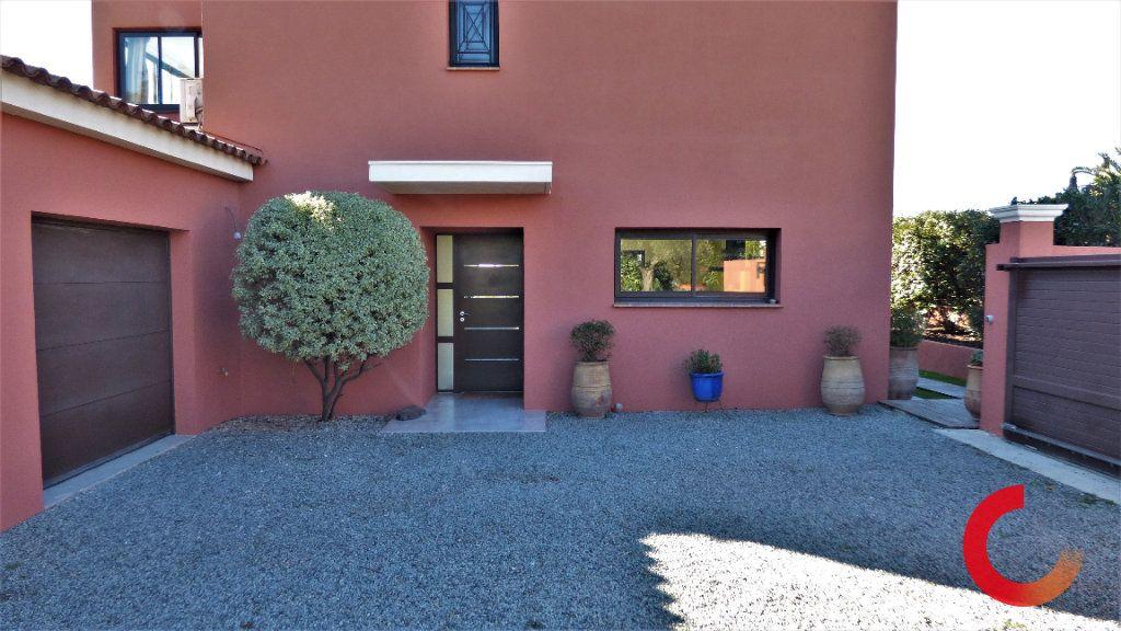 Maison à vendre 8 170m2 à Fréjus vignette-10