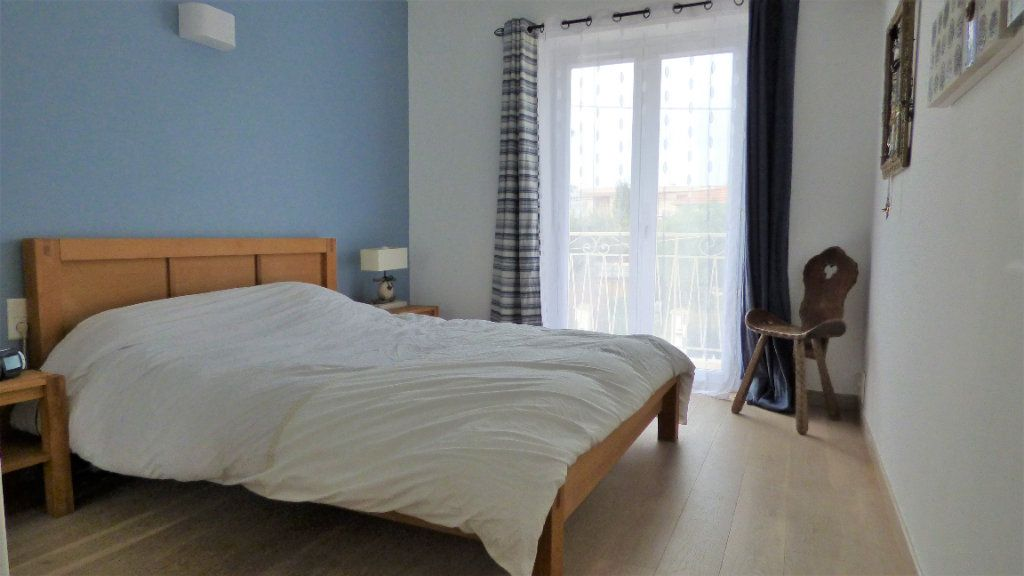 Appartement à vendre 3 82m2 à Fréjus vignette-3
