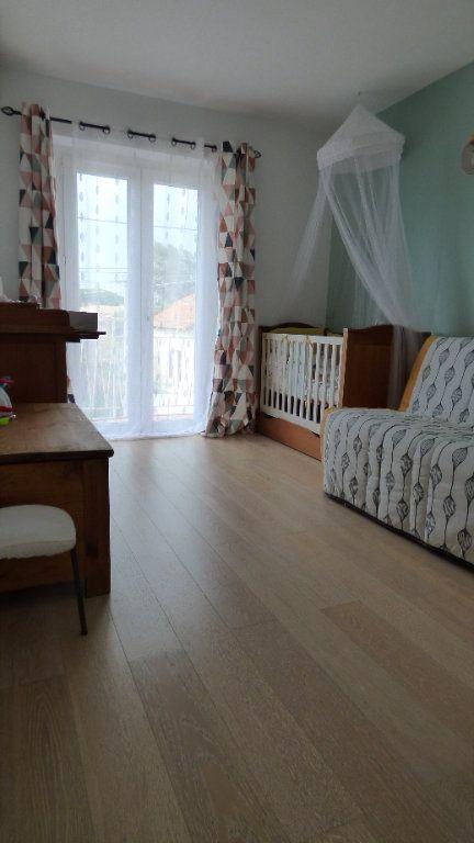 Appartement à vendre 3 82m2 à Fréjus vignette-4