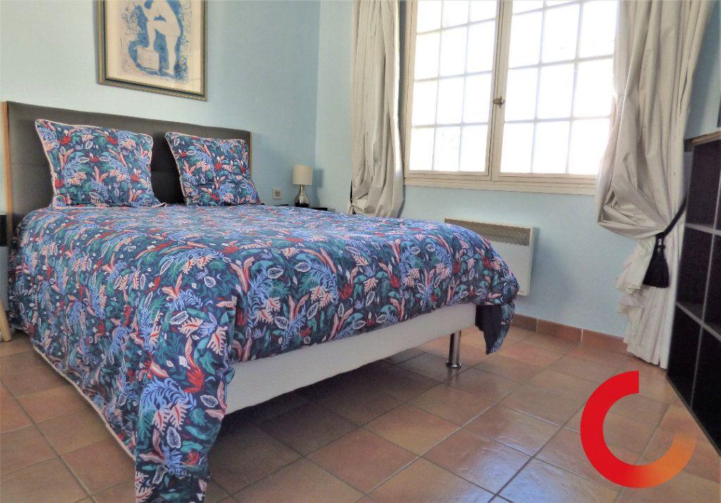 Maison à vendre 9 190m2 à Fréjus vignette-3