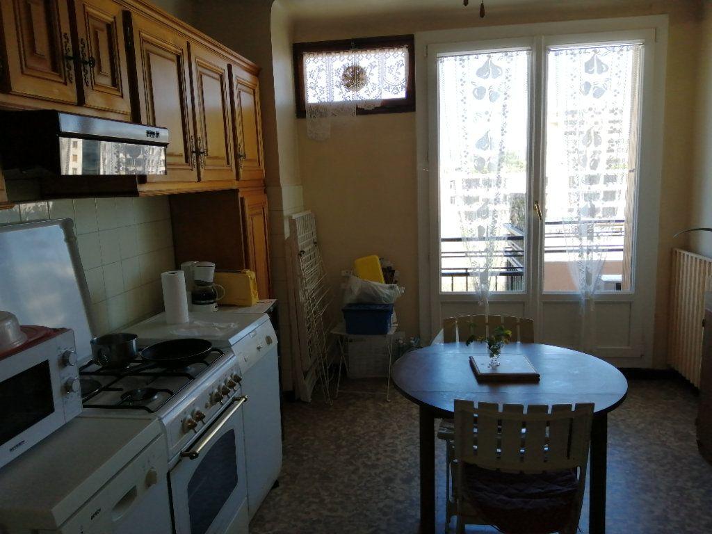 Appartement à vendre 3 74.67m2 à Saint-Raphaël vignette-4
