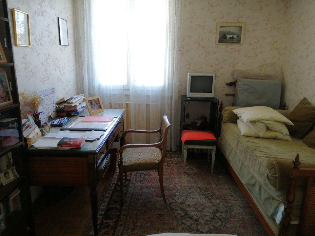 Appartement à vendre 3 74.67m2 à Saint-Raphaël vignette-9