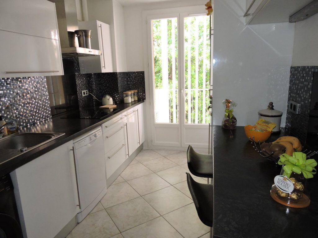 Appartement à vendre 3 63.72m2 à Fréjus vignette-5