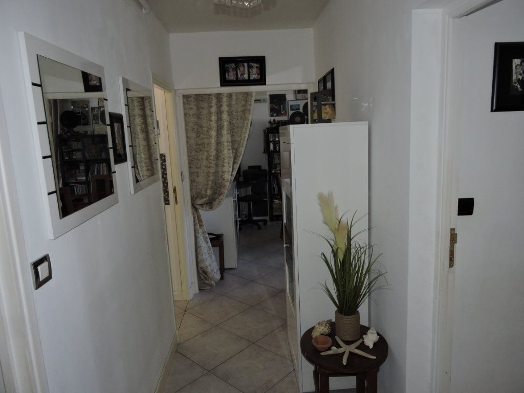 Appartement à vendre 3 63.72m2 à Fréjus vignette-7
