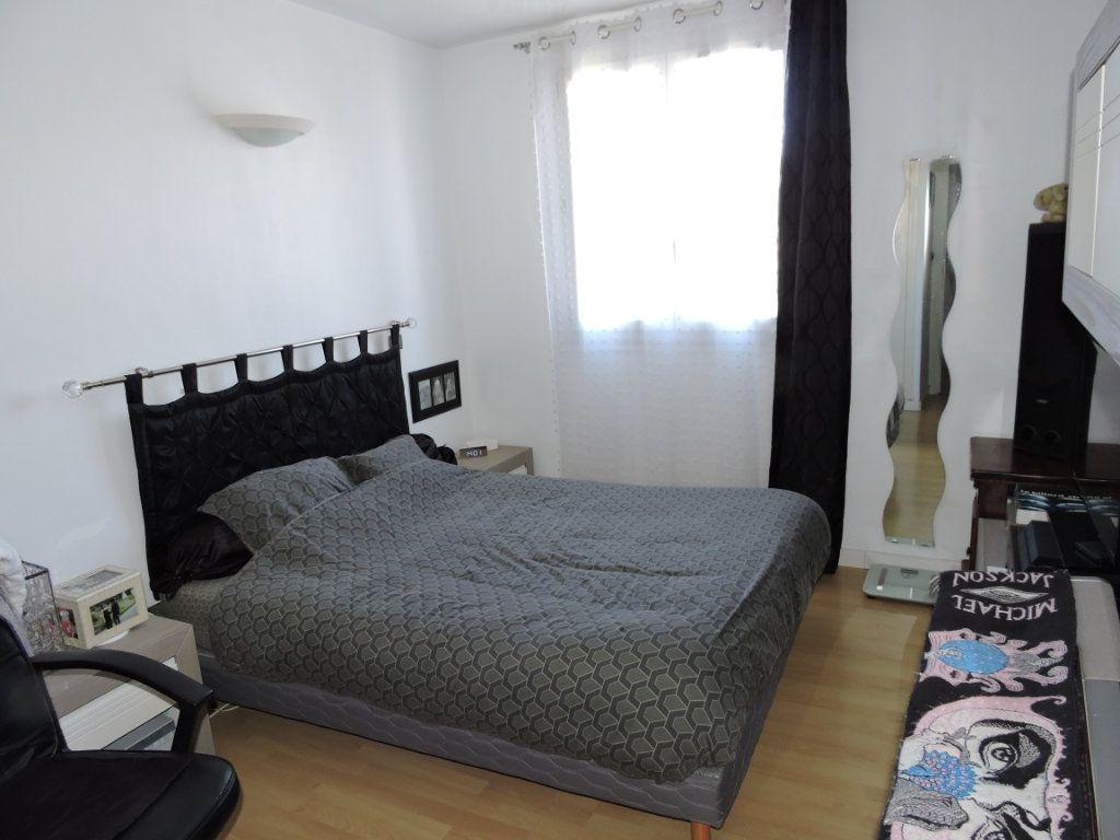 Appartement à vendre 3 63.72m2 à Fréjus vignette-8