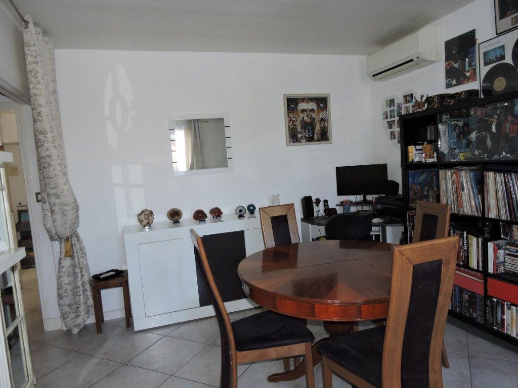 Appartement à vendre 3 63.72m2 à Fréjus vignette-12