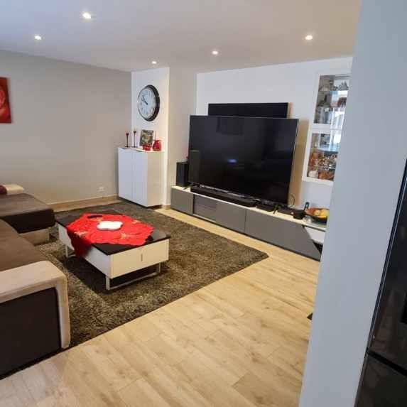 Appartement à vendre 3 73.45m2 à Saint-Raphaël vignette-4