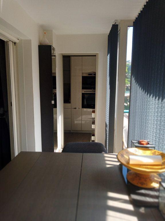 Appartement à vendre 3 73.45m2 à Saint-Raphaël vignette-5
