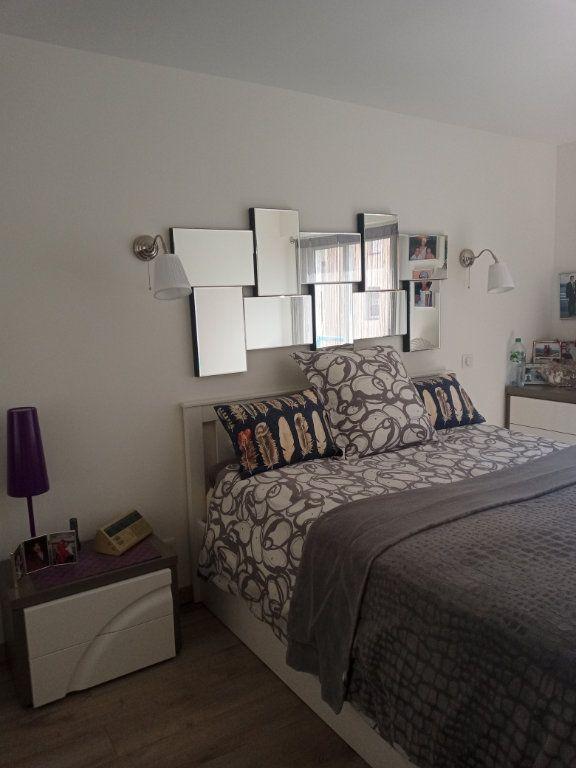 Appartement à vendre 3 73.45m2 à Saint-Raphaël vignette-7