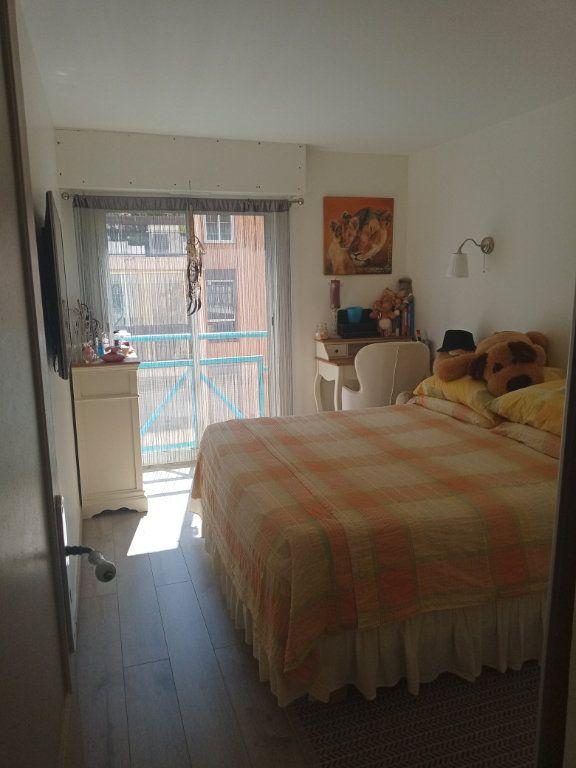 Appartement à vendre 3 73.45m2 à Saint-Raphaël vignette-9