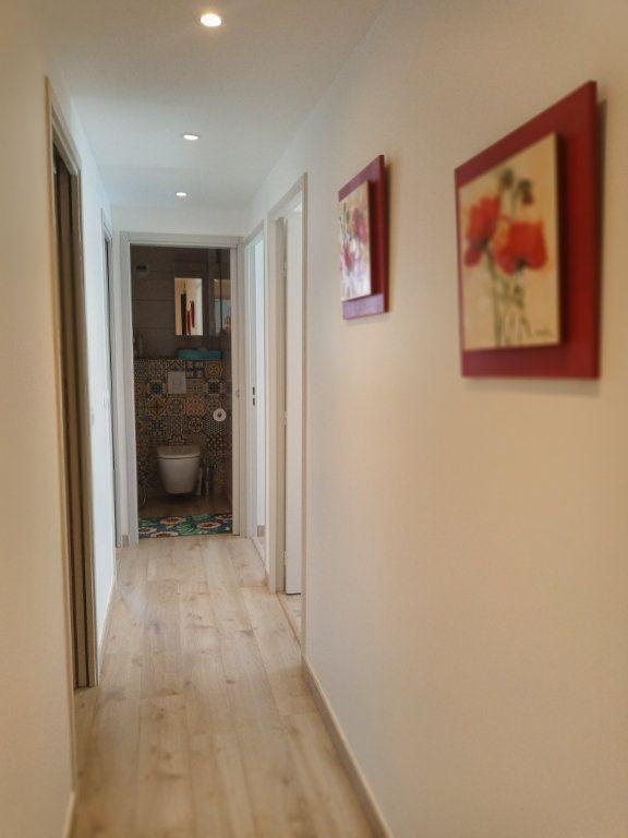 Appartement à vendre 3 73.45m2 à Saint-Raphaël vignette-10