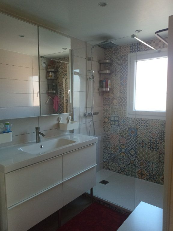 Appartement à vendre 3 73.45m2 à Saint-Raphaël vignette-11