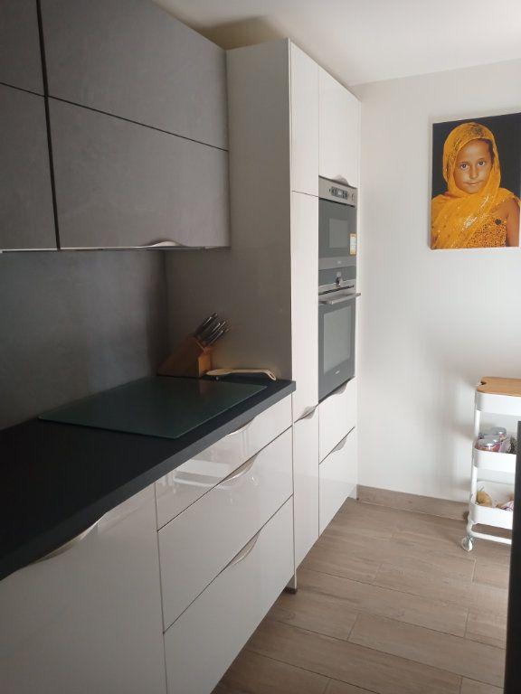 Appartement à vendre 3 73.45m2 à Saint-Raphaël vignette-12