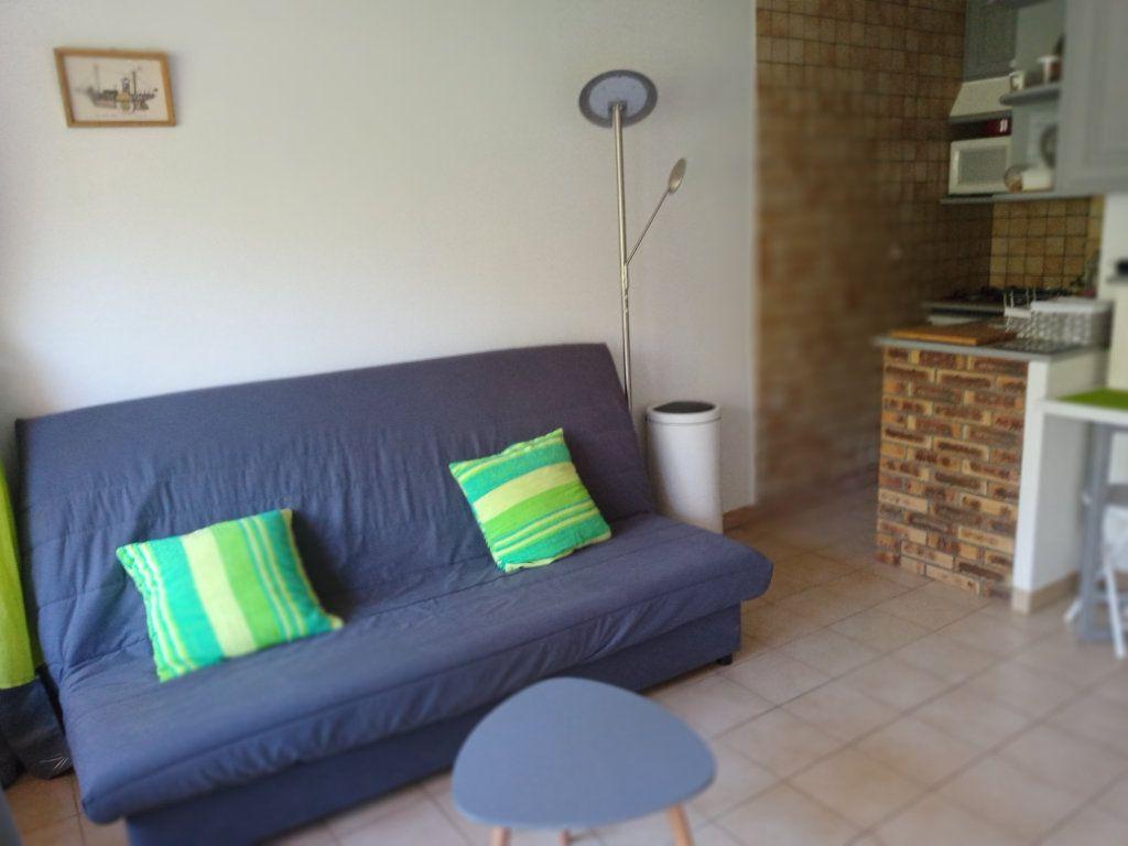 Appartement à vendre 2 24.579m2 à Saint-Raphaël vignette-5