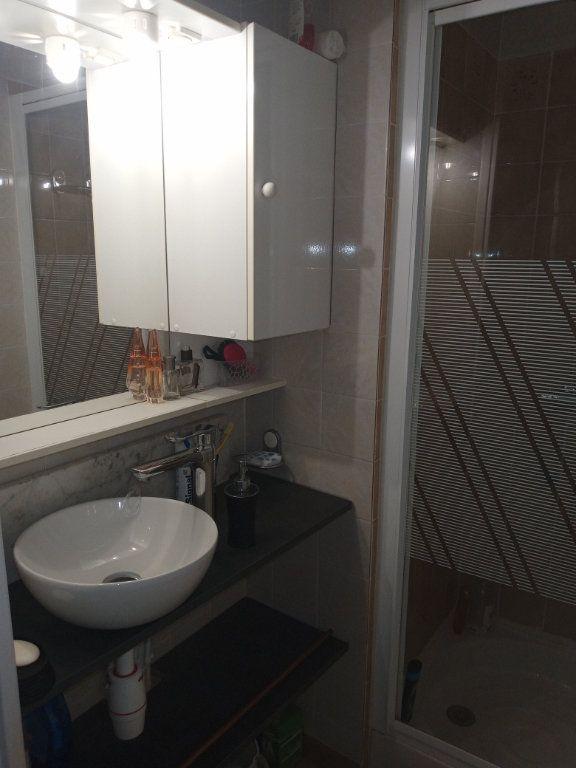 Appartement à vendre 2 24.579m2 à Saint-Raphaël vignette-6