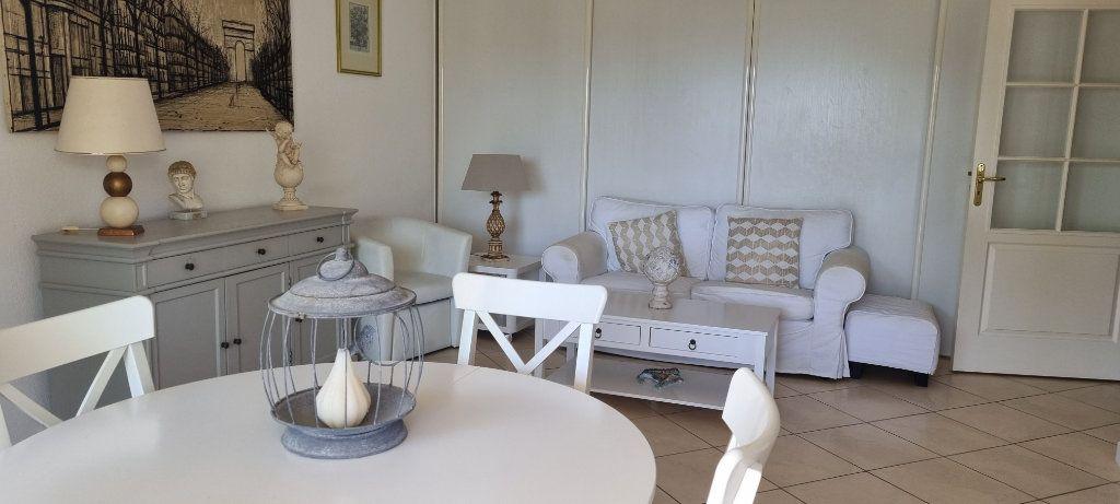 Appartement à vendre 2 50.08m2 à Saint-Raphaël vignette-4