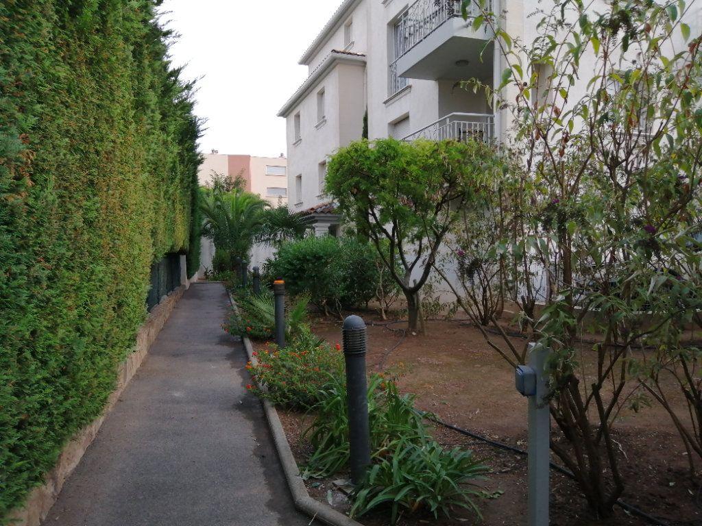 Appartement à vendre 4 94.98m2 à Saint-Raphaël vignette-1