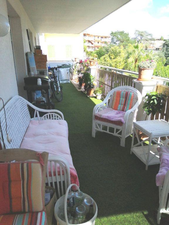 Appartement à vendre 4 94.98m2 à Saint-Raphaël vignette-2