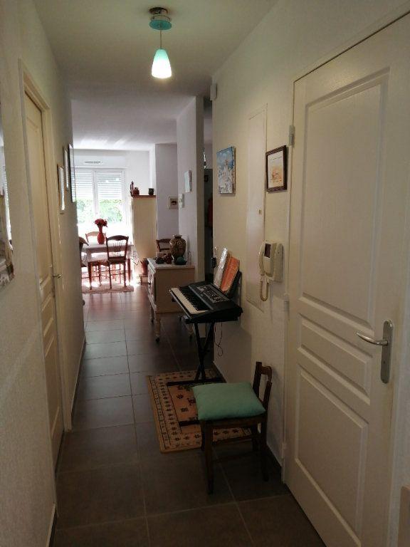 Appartement à vendre 4 94.98m2 à Saint-Raphaël vignette-3