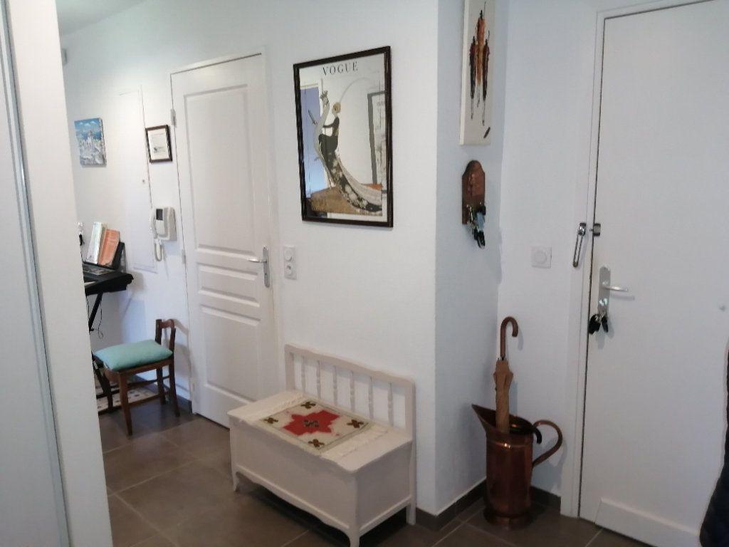Appartement à vendre 4 94.98m2 à Saint-Raphaël vignette-4