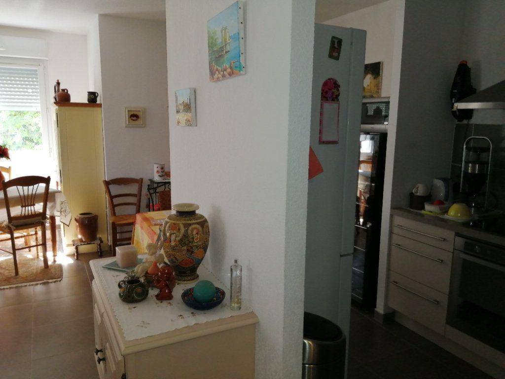 Appartement à vendre 4 94.98m2 à Saint-Raphaël vignette-5