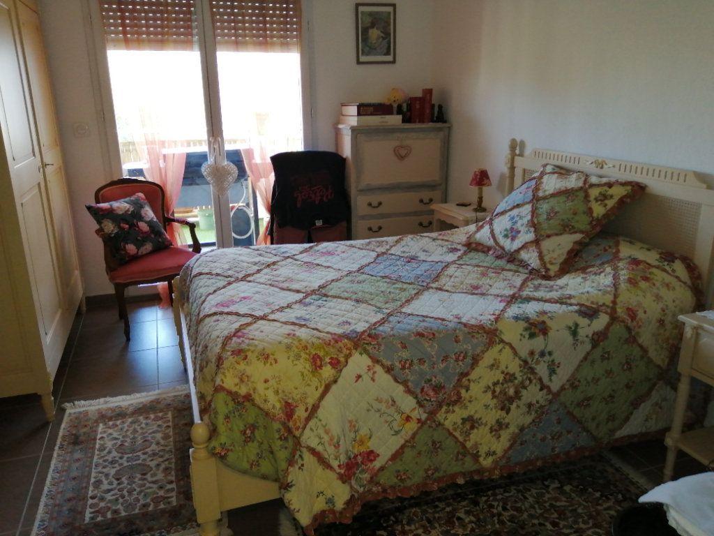Appartement à vendre 4 94.98m2 à Saint-Raphaël vignette-10
